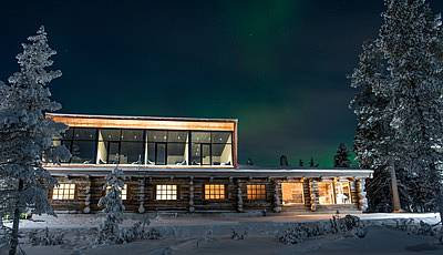 Finnish lodge blends wild nature with exclusive design