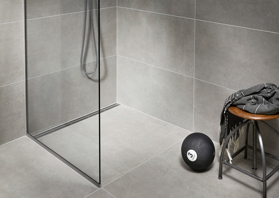 Shower screens in glass and functional shower doors - slide 17