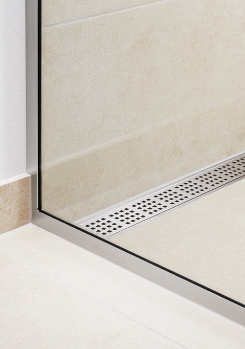 Shower screens in glass and functional shower doors - slide 7