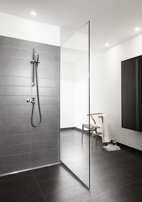Shower screens in glass and functional shower doors - slide 19