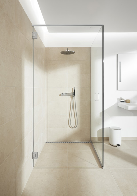 Shower screens in glass and functional shower doors - slide 5