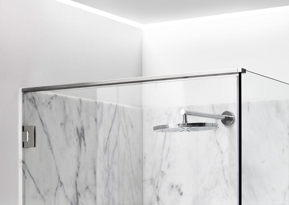 Shower screens in glass and functional shower doors - slide 13
