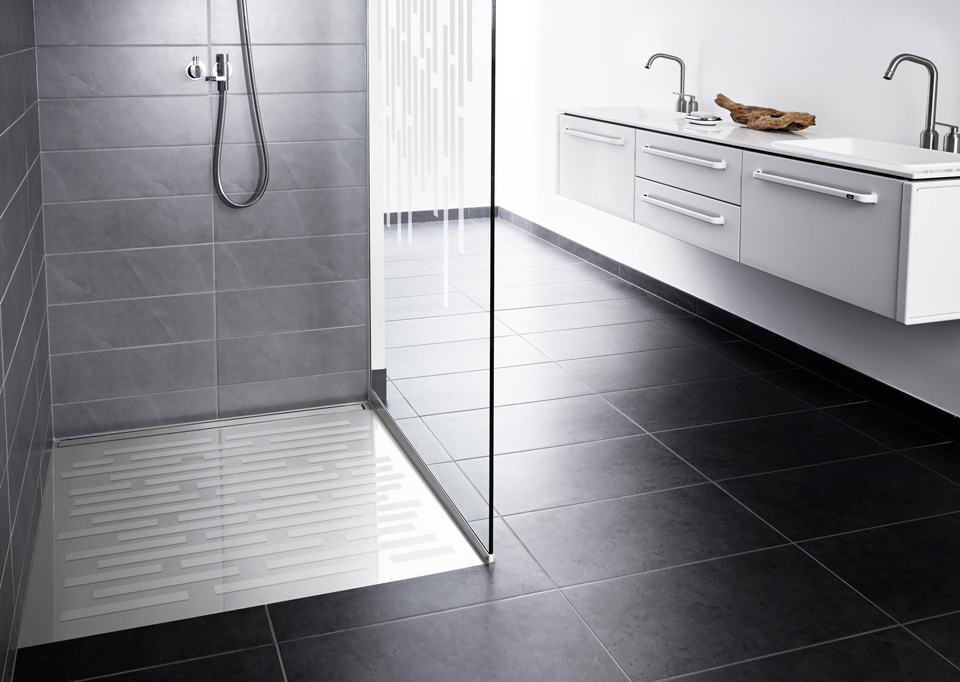 Shower screens in glass and functional shower doors - slide 15